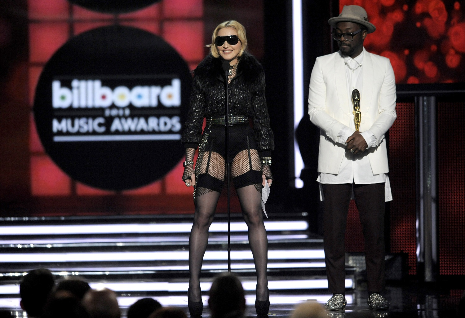 madonna-billboard-music-awards2013-7