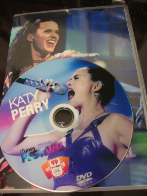 dvd katy perry itunes festival i heart radio 2013 (5)