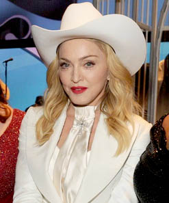 madonna - grammy 2014 - same love open your heart2
