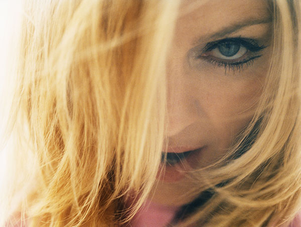 2001 - Madonna by Regan Cameron for Drowned World Tour Promo - 02