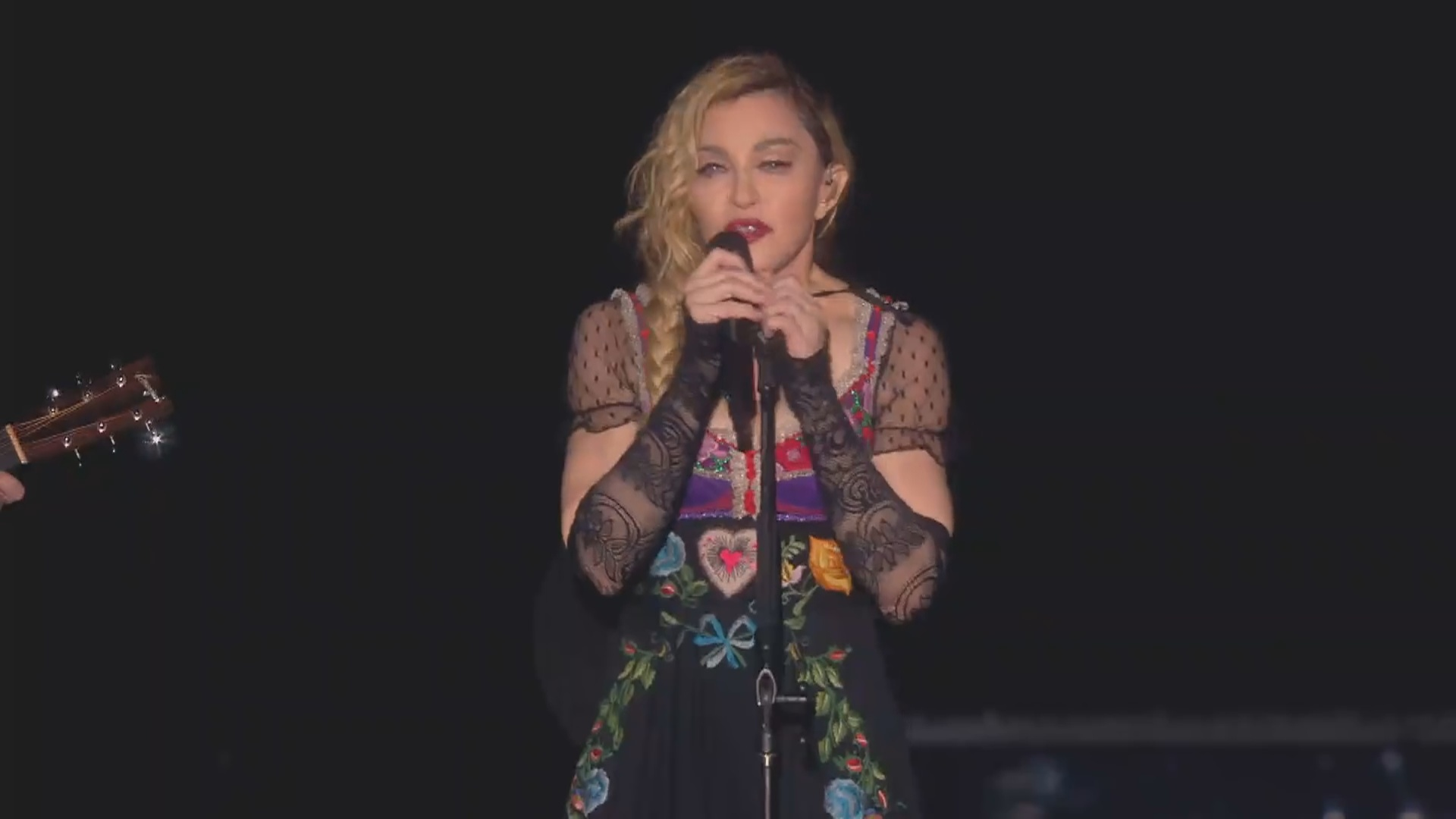 madonna paris crying rebel heart tour 2